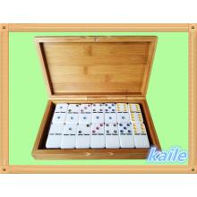 Paquete de domino de plástico doble 6 en caja de bambú