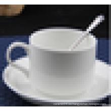 taza de cerámica de color blanco y juego de platillo exportador