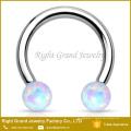Billes d'opale fileté intérieurement en acier chirurgical Bague d'ornement circulaire à septum en fer à cheval
