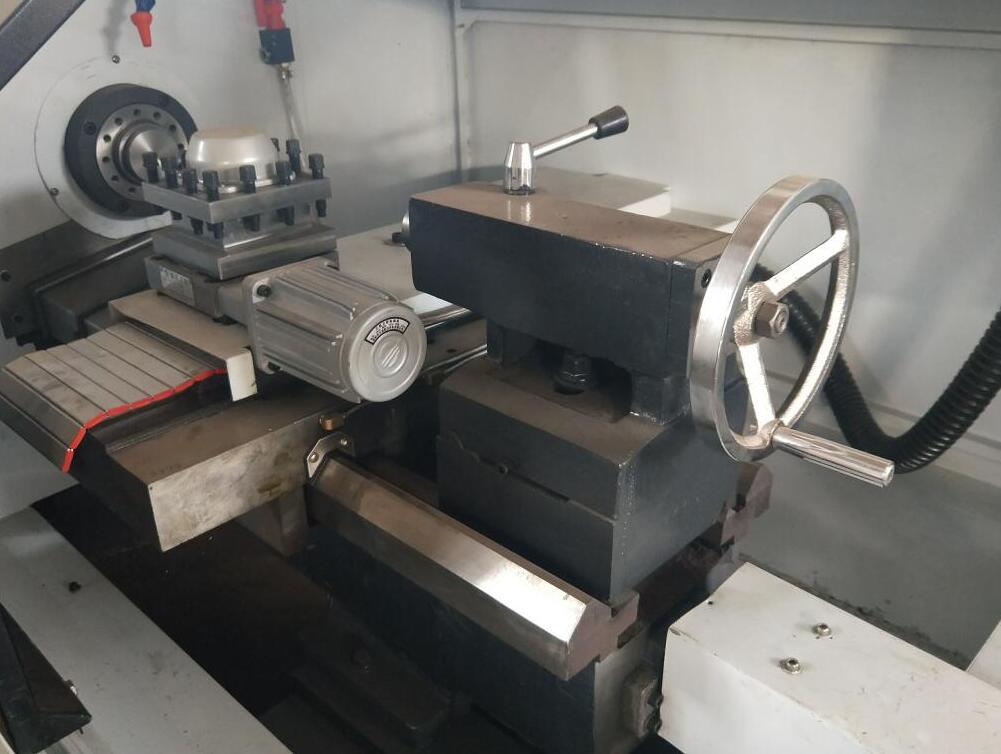 cnc lathe machine metal