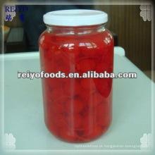Frutas enlatadas - cereja azeda em xarope (vermelho, vermelho escuro)