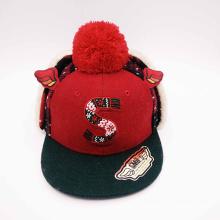 Chapéu de inverno único para crianças com grande pompa no topo (ACEW112)
