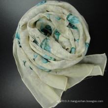 Longue écharpe en laine pour l'hiver
