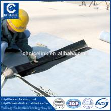 Feutre de toit auto-adhésif composite étanche en rouleaux