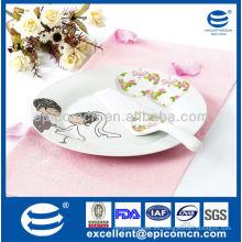 """Diseño de la boda 2pcs 10.5 """"placa redonda de la torta de la porcelana con la espátula"""