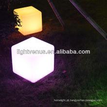 cubo claro do diodo emissor de luz do luar