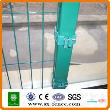Diferentes estilos galvanizado braçadeiras de cerca de tubulação da China Alibaba