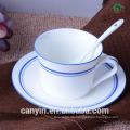 Hochwertige Keramik-Kaffeetasse-Anzug Europäische große Keramik-Tassen und Untertassen