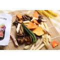 Las patatas fritas ECo-friendly vegetales fríen al vacío con textura dura y todo listo para comer aperitivos