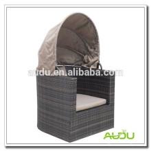 Cama redonda ao ar livre Audu Rattan à venda