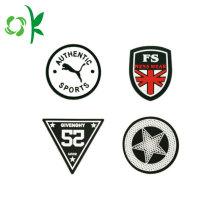 Markenname Logo Silikon Button Abzeichen für Kleidung