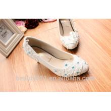 Les chaussures de mariée blanche réalisent une photo de chaussures de mariage fabriquées à la main WS039