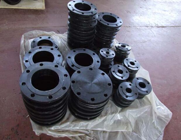 1 pipe black flange