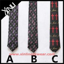 Différents modèles Christian cravates