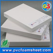 Hoja de espuma de celuka de PVC de superficie sólida de color blanco brillante