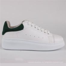 Zapatos de mujer PU Zapatos de cuero de inyección Zapatos casuales Snc-65005wht