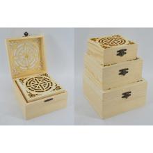 Caixa de madeira natural nova ajustada