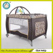 Goldlieferant china faltbarer quadratischer Baby Laufstall