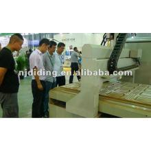 Machine changeur automatique d'outils CNC
