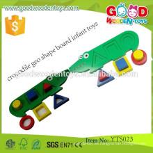 Juguete lindo de madera educativo del bebé del tablero de la forma de Geo del cocodrilo de la venta