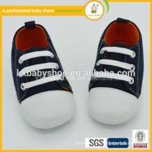 Chaussures de porc à gros bon marché pour chaussures de conversion avec la dernière chaussure de toile de bébé de conversion