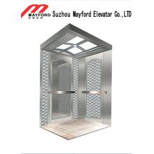 Elevador de pasajeros en la sala de máquinas con una cómoda garantía