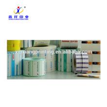 Etiquetas engomadas adhesivas del rollo de la etiqueta adhesiva de papel del diseño del PVC de XinXiang