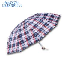 OEM / ODM Business Multi-usage Britannique Style Facile À Prendre Hommes Grille Treillis Tissu D'impression 3 Pliant Classique Grand Parapluie De Pluie