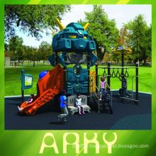 Enfant coloré nouveau robot extérieur terrain de jeux