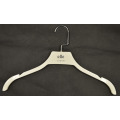Colgante plástico de la venta de la venta caliente blanca de la suspensión hermosa de los vestidos