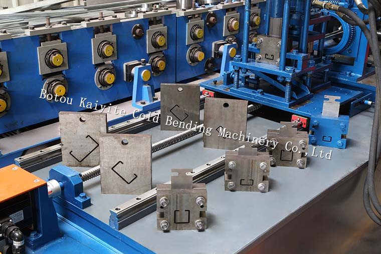C U metal stud and track ceiling roof channel roll forming machine for sale