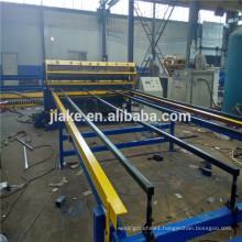 Wire mesh fencing welding machine