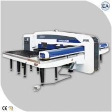 Máquina puncionadeira hidráulica CNC