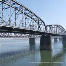 Ponte simples da estrutura de aço