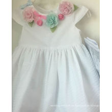vestido de niña de flor blanca