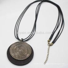 Винтаж круглый деревянный кулон ожерелье с черным Pu кожа шнуры