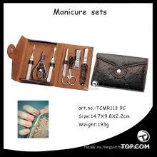 Kit de manicura de utensilios de manicura profesional para salón de belleza.