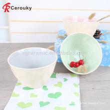 Heiße Verkaufsglasur innerhalb des weißen äußeren dekorativen keramischen Steingutfruchtschüssels