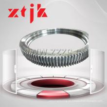 Balanço de anel giratório rolamento com gradiente de dureza de engrenagem