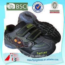 Оптовая продажа обуви милой детской спортивной обуви 2011 года чужой монстр