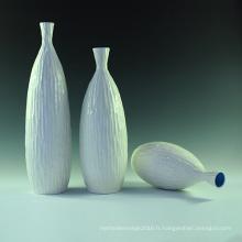 Vase en céramique en porcelaine blanche Maison de mode de salle de salon sous contrat contemporain Place Ornement