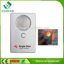 Portable pour lire la loupe de taille de carte de crédit avec lumière