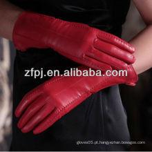 Venda quente senhora de couro elegante vestindo luvas de couro de cor vermelha no inverno