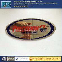 China alta qualidade em aço inoxidável corte de laser nameplat pintura, crachás de estampagem, OEM usinagem eletroquímica