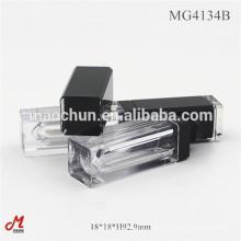 Tubo quadrado curto de brilho labial com espelho