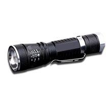 Lumière LED à focalisation télescopique avec batterie Li-ion