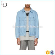 Deux poches sur la veste en jean denim printemps printemps bleu veste lavée