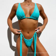 frecher Bikini setzt Badebekleidung