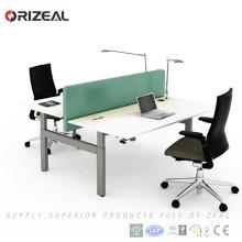 Elektrischer Sitzstand vertraulicher Bürocomputerschreibtisch mit Doppelarbeitsplatzschreibtisch mit zwei Sitzen