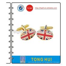Gemelos metálicos com a bandeira britânica